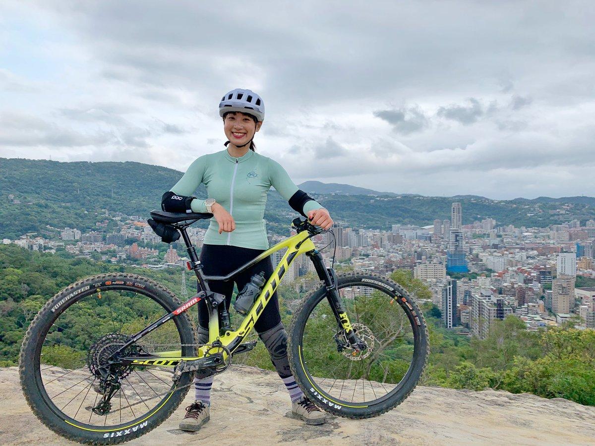 - MTB morning ride! @BikeBikescott @POCSports @fivetenuk  - #旅行好きな人と繋がりたい #マウンテンバイク #outdoor #mtb #cyclist #LindaLovesCycling #Linda愛打卡打掐pic.twitter.com/qlZu05cSvW