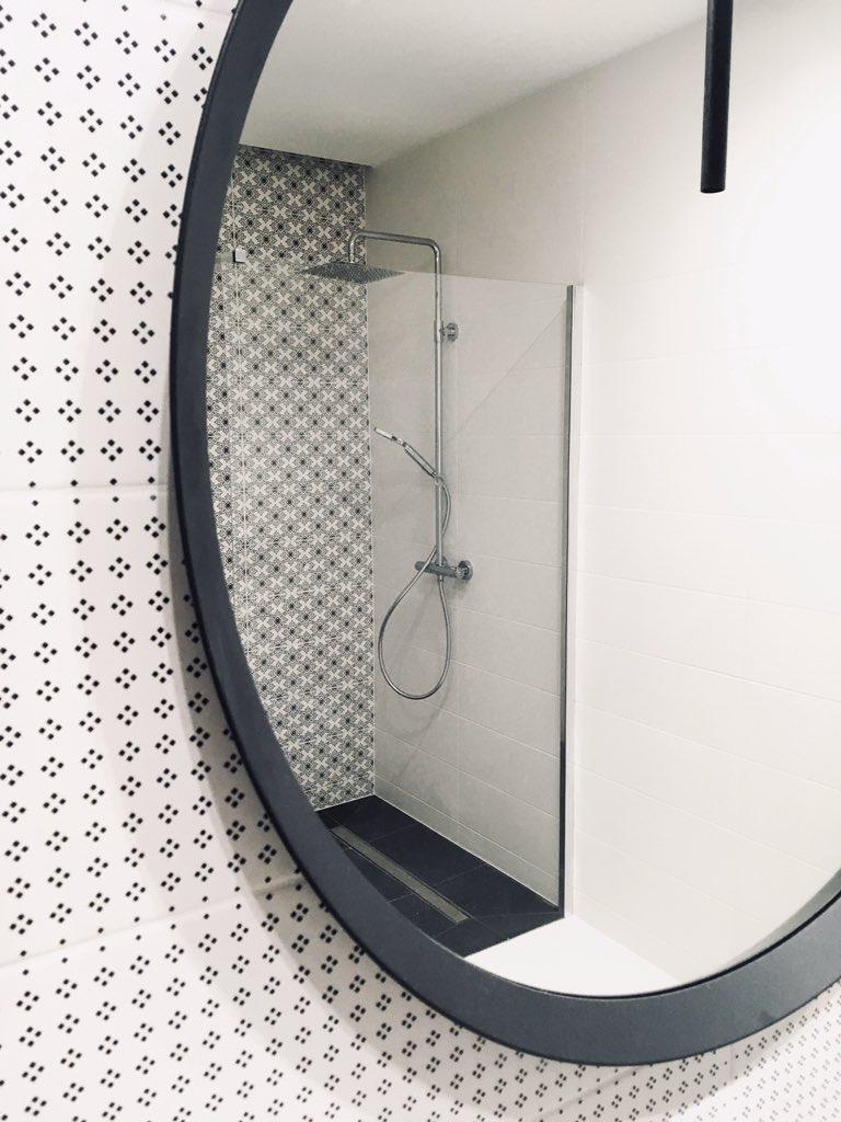 Łazienka #łazienka #lazienkamarzen #projektłazienki #nowoczesnałazienka #bathroom #bathroominspiration #bathroomdecor #bathroomdesign #ostrowski_nieruchomosci #wnetrza #wasze_inspiracje_ #wnetrzazesmakiem #polskiewnetrza #domoweinspiracje #homebook #homebookplpic.twitter.com/2TLQ5X6GVT