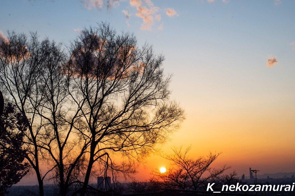 夕陽  #八尾市  #高安山pic.twitter.com/fw5gnPflAc
