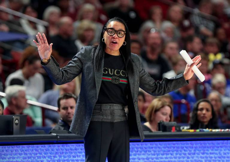 Top coach in the land: #Gamecocks Dawn Staley named AP Coach of the Year  https://t.co/iKHZS5dhjr https://t.co/eDPOWhREWZ