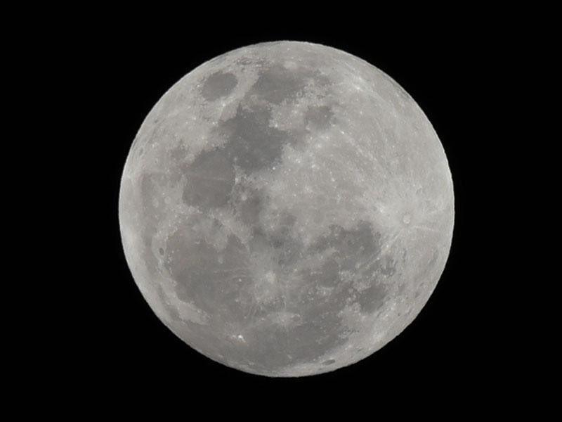 【優美】今夜は『スーパーピンクムーン』、お月様に願いを込めて…今日7日夜〜明日8日にかけては、今年見える満月のうちで最も大きなスーパームーン。また、4月の満月はピンクムーンとも呼ばれるため今夜は『スーパーピンクムーン』がご降臨することになる。