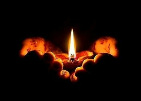 Retweet for every 1994 Genocide against the Tutsi victims, Their hearts were heavier, their ways were far, their nights were longer, they had no options, they were in darkness, but today we are seeds radiated from their roots. lets strive to remember, unit and renew #Kwibuka26