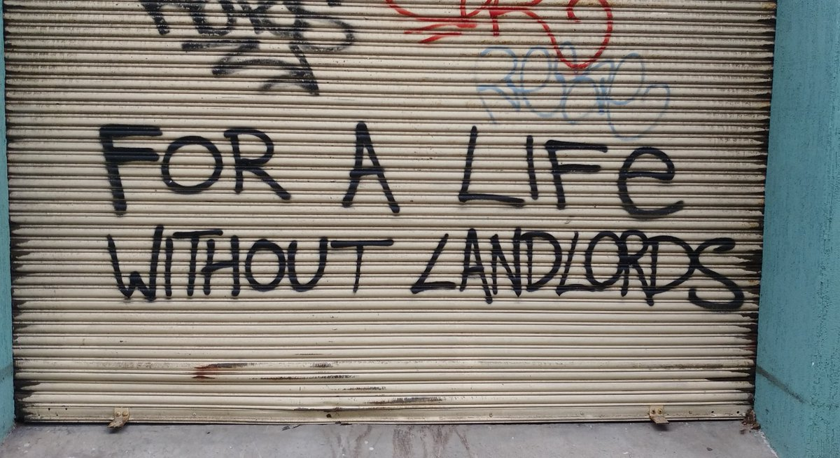 """""""For a life without landlords"""" Seen in #Sydney pic.twitter.com/RcC5ooBZzn"""