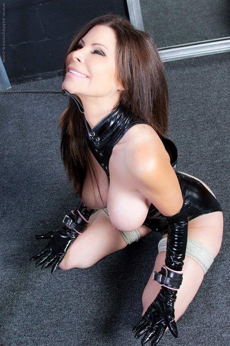 #Throwback  You've got to love what you do. 😘 #behindthescenes #bondage #bdsm #ashleyrenee #fetishmodel