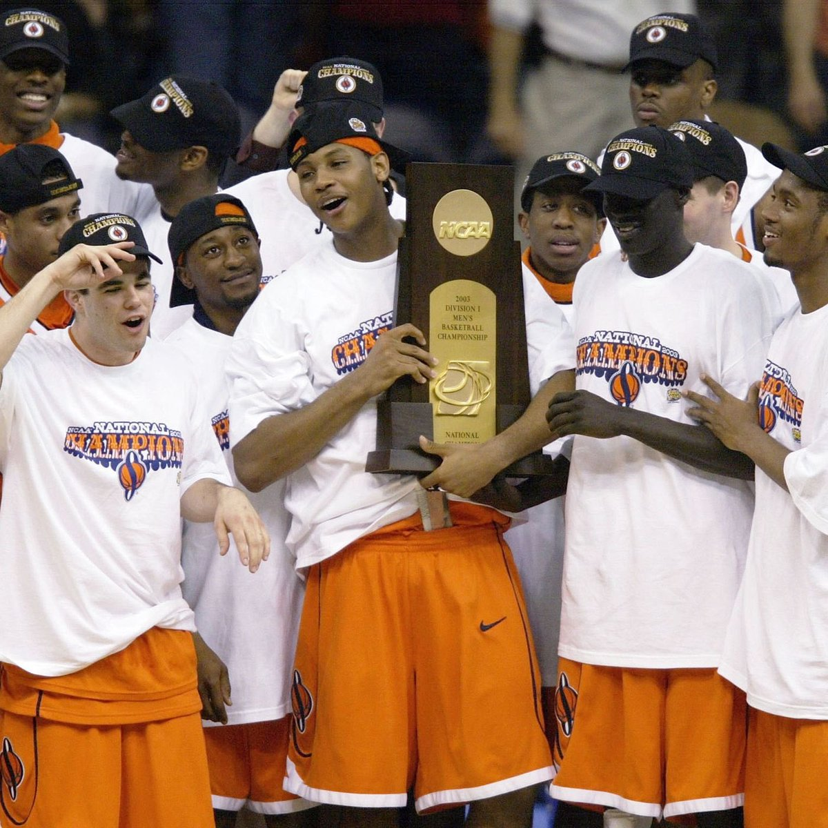 #OnThisDay in Sports History, in 2003 #Syracuse beat #Kansas, 81-78 for the #NCAAChampionship. It's is the Orangemen first and only title.   Carmelo Anthony named tournament Most Outstanding Player with 20 points and 10 rebounds. pic.twitter.com/bekrmQsTQT