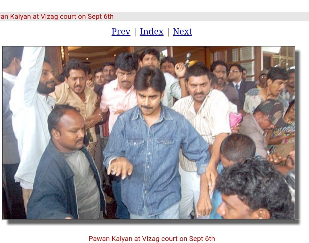 Pawan Kalyan attended vizag court after his 1st wife filed a case on him, later it got settled as pk given big amount to her,so she withdrawn the case pic.twitter.com/cr3LBhvf0A