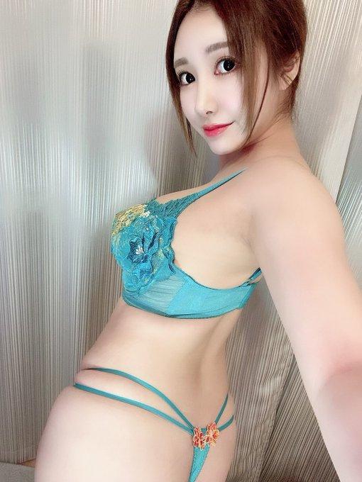 AV女優若月みいなのTwitter自撮りエロ画像21
