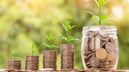 #Saarlandwelle @SRaktuell klärt kurz&kompakt, wie #nachhaltigeGeldanlagen funktionieren. #Nachhaltigkeit wird immer wichtiger bei immer mehr Anleger*innen. Für ausführliche Erklärungen von #NachhaltigInvestieren schau doch einfach auf unserer Seite vorbei! http://ow.ly/FvTz50z7gmSpic.twitter.com/9Zxbo5DJH5