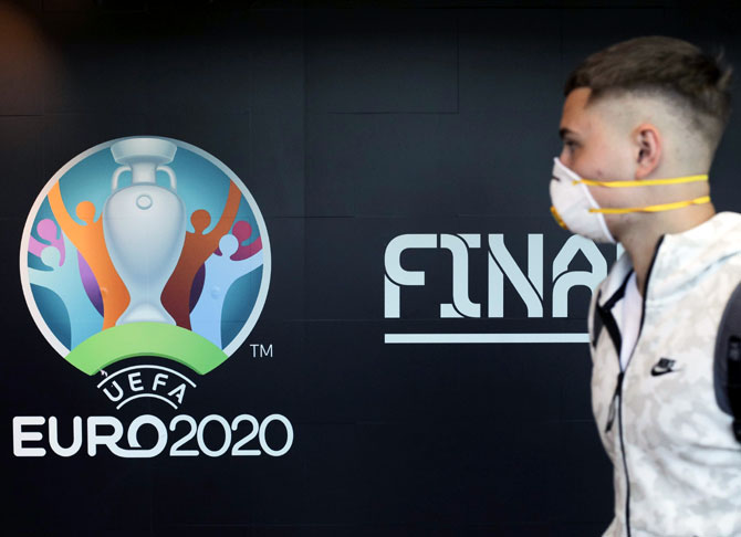 How Euro 2020 delay could work in Italy's favour http://dlvr.it/RTJpT6pic.twitter.com/lOQ9R1wAvi