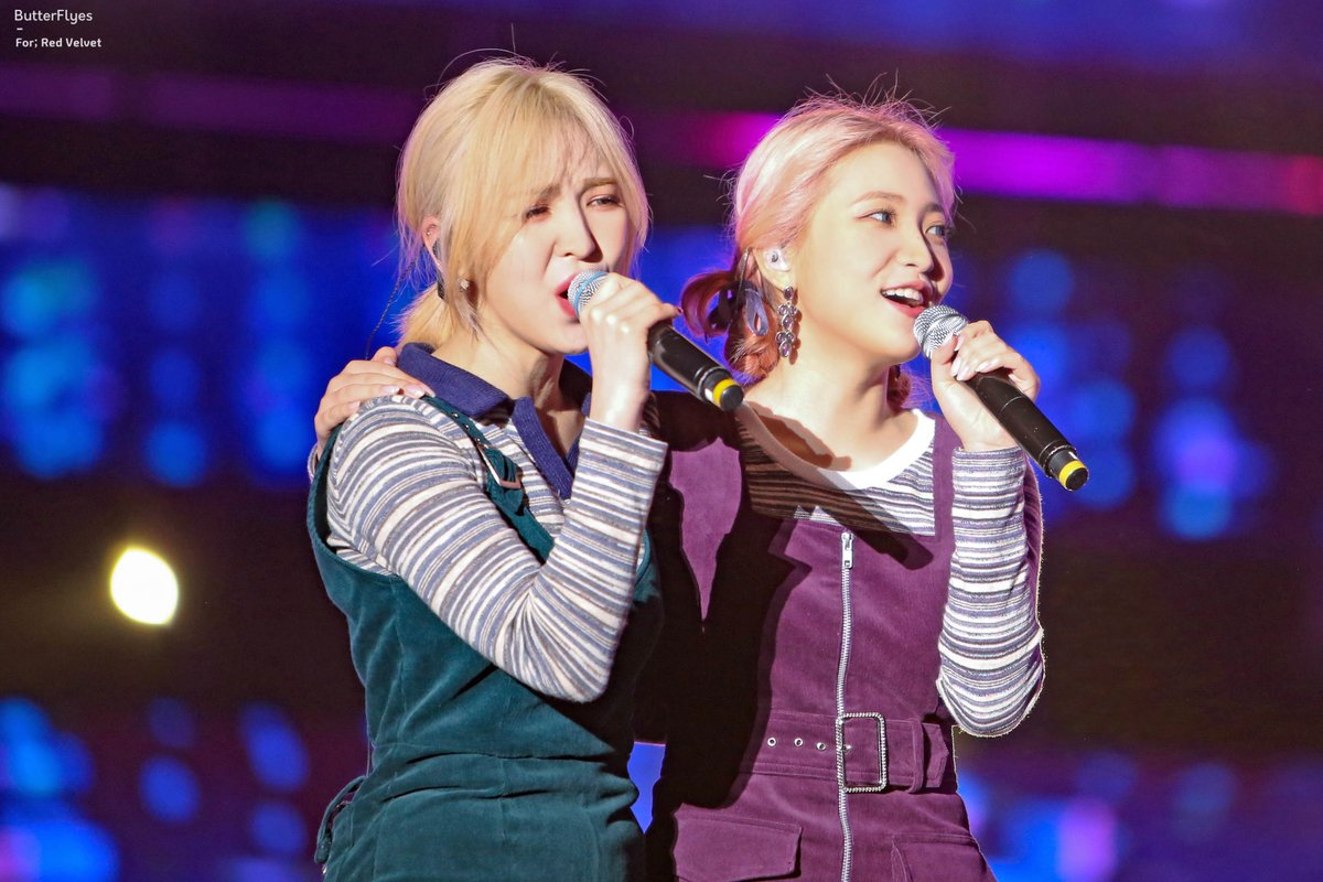 One year ago today, Red Velvet's collaboration with @elliegoulding, Close To Me - Red Velvet Remix, was released!  The remix, for which Wendy and Yeri participated in writing the lyrics, marked Wendy's first official songwriting credits and went on to win a Teen Choice Award! <br>http://pic.twitter.com/WzUnm6gxlw