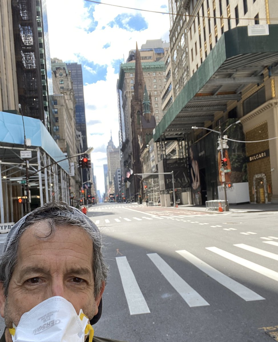 "5th Ave today at noon...""The city that never sleeps"" has gone into hibernation. #gothamcity #newyorkcity pic.twitter.com/R7oNgqgO5G"