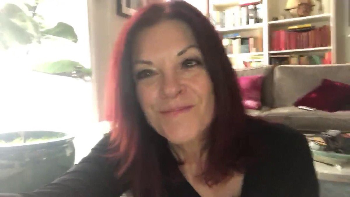 """Enjoy Grammy Award-winning singer-songwriter @rosannecash's love of Willa and beautiful read of """"The Tavern"""" poem #WillaCather's APRIL TWILIGHTS. Thank you! #poemfromhome #npm15 #nationalpoetrymonth @POETSorg @bluenoterecords @CapitolRecords Click on link- http://www.willacather.org/rosanne-cash-reads-tavern-0…pic.twitter.com/l6rySulTFn"""