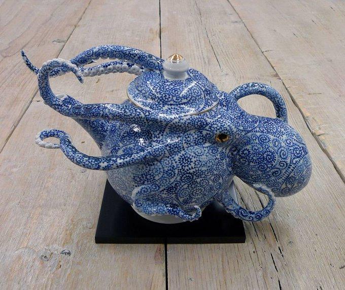 Octopus Teapot by Japanese ceramic artist Keiko Masumoto #womensart