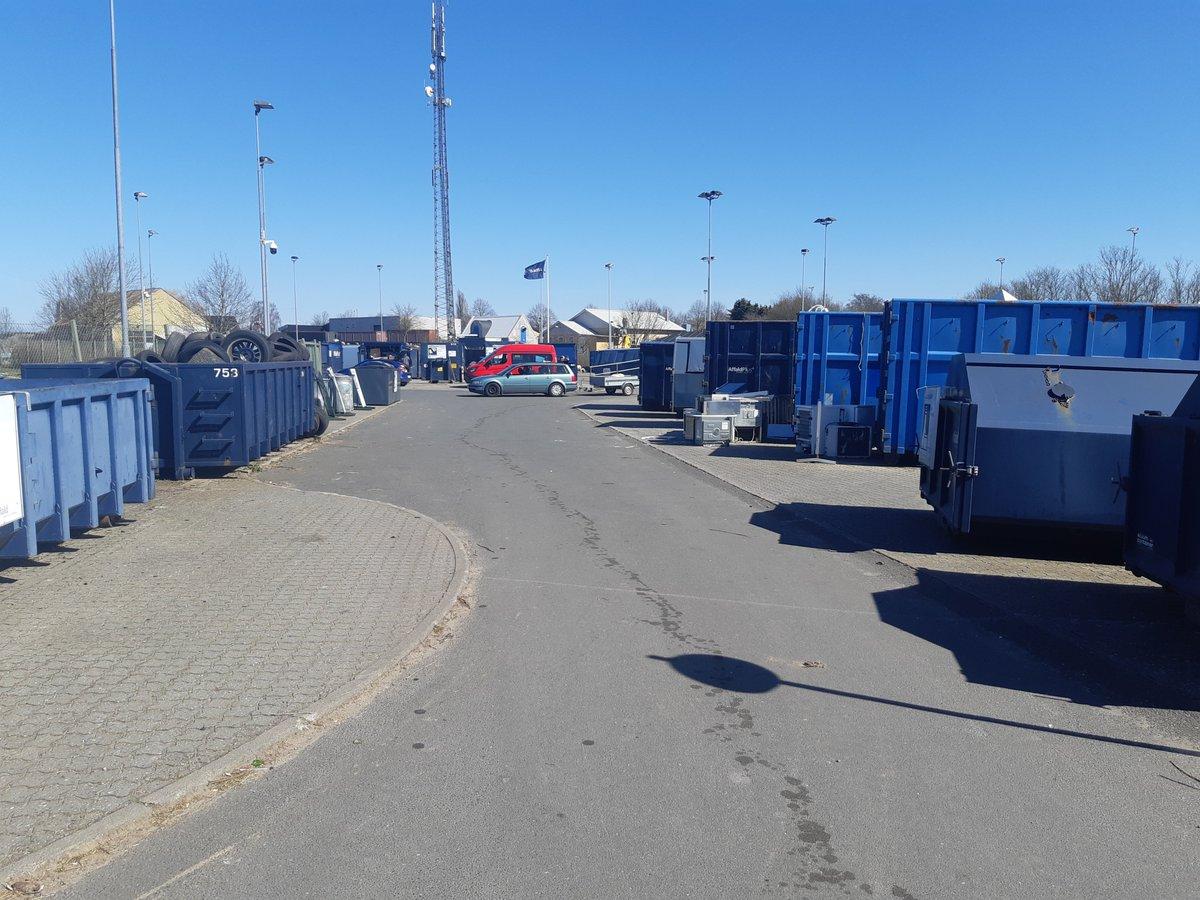 Endnu et foto - denne gang fra Dianalund Genbrugsplads. God ro og orden - I gør vores arbejde let. Tak igen ! Hilsen vagtchefen #politidk https://t.co/QpN6WQnF8F