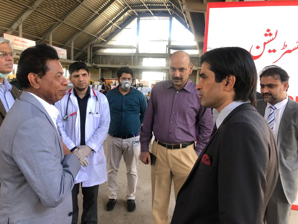 "Punjab established a COVID-19 field hospital with 1,000 beds in just nine days! ""This is a commendable achievement and will go a long way to treat COVID-19 patients as cases continue to rise in Lahore,"" said Dr Palitha Mahipala, WHO Representative in Pakistan <br>http://pic.twitter.com/u9TXzHwOfi"