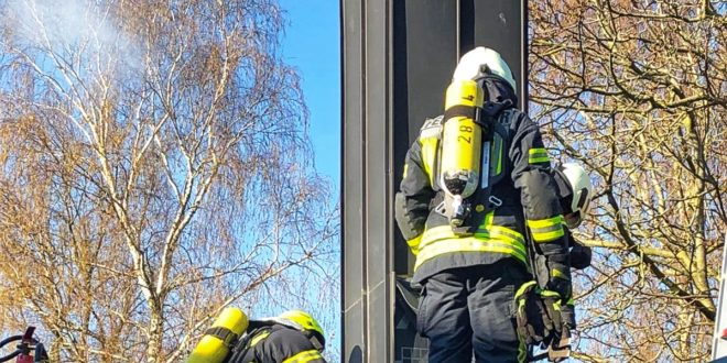 test Twitter Media - Drei Einsätze beschäftigen die Nordhorner Feuerwehr am Samstag https://t.co/tLsDClotDm https://t.co/KTIkUTdbEk