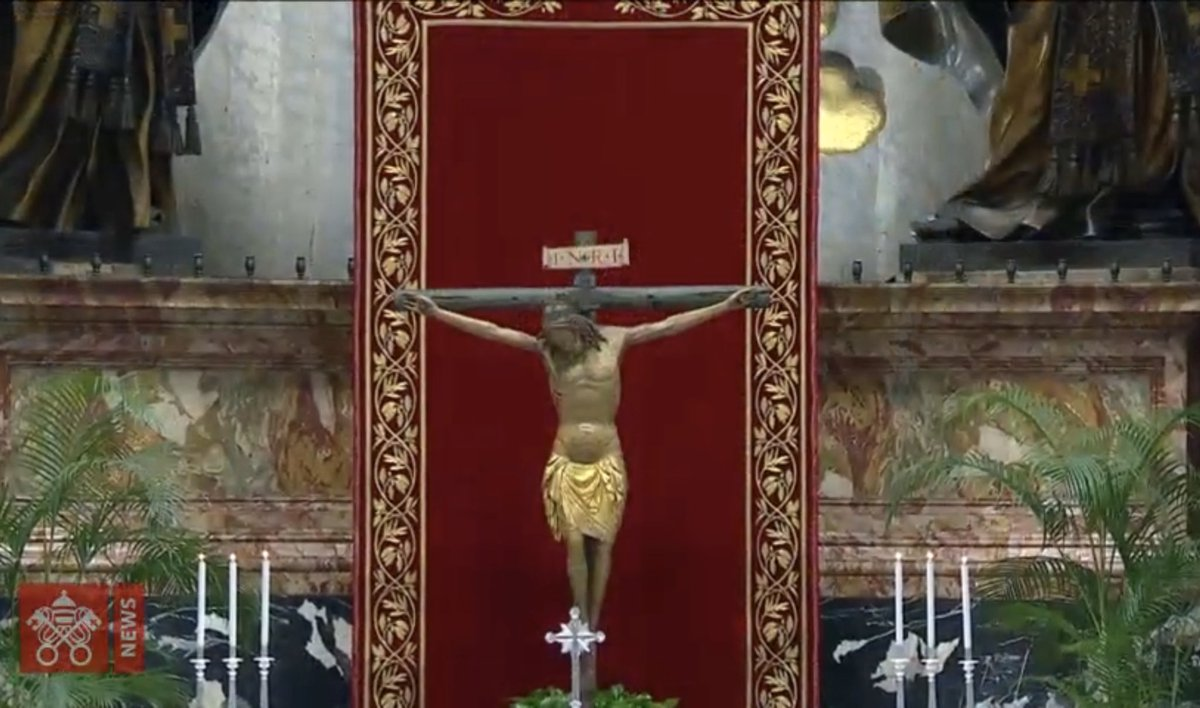 """The crucifix that """"exploded"""" and was """"destroyed"""" and """"ruined"""" only nine days ago. <br>http://pic.twitter.com/NTtAppNtWe"""