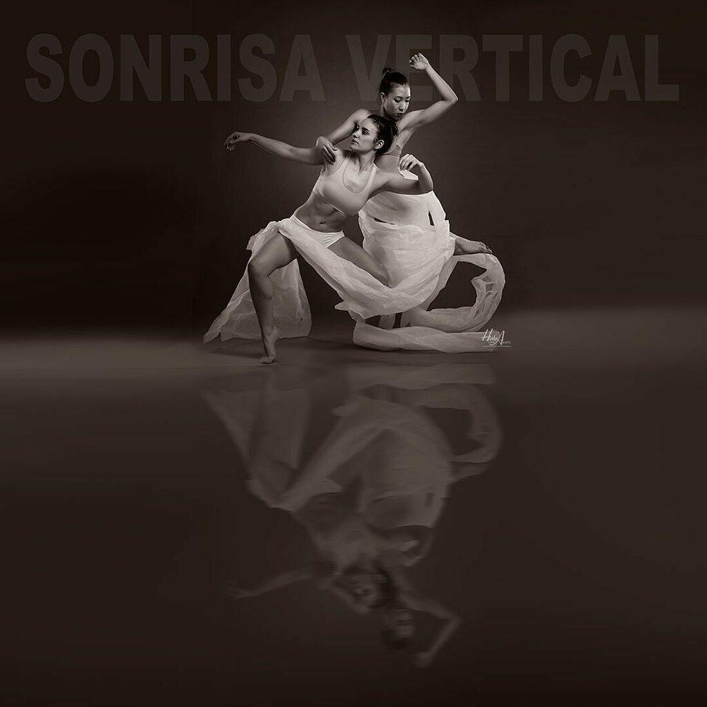@livaness_ & @carmelareyesroldan  #sonrisavertical #sesion de #danzacontemporanea - #danza #contemporarydance #contemporanea #sesionfotos #fotografiaartistica #sesiondefotos #fotojaen #artejaen #jaendefoto https://instagr.am/p/B-mO5WMDE59/pic.twitter.com/fAhoaMIb09