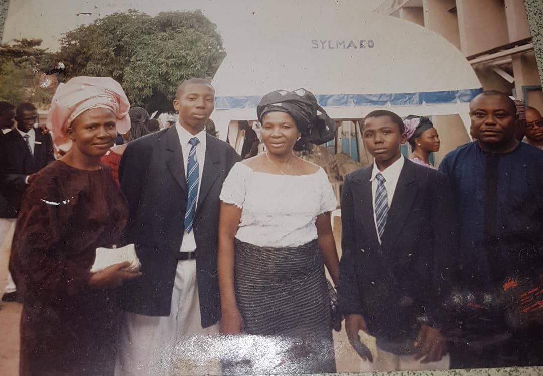 Valedictory Service KC '04 Won the following awards:  1. Deadest guy 2. Most likely to not succeed in life 3. WAEC Overachiever with 7Cs, 1E & 1A (in Igbo)  After this, Mom, Dad & I went to Mr. Biggs to celebrate.  Mr. Biggs.... .. Simpler times.  <br>http://pic.twitter.com/vH6OAqWHwY