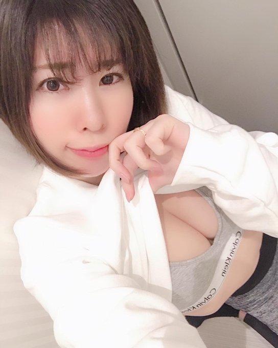 グラビアアイドル桃尻リカのTwitter自撮りエロ画像4