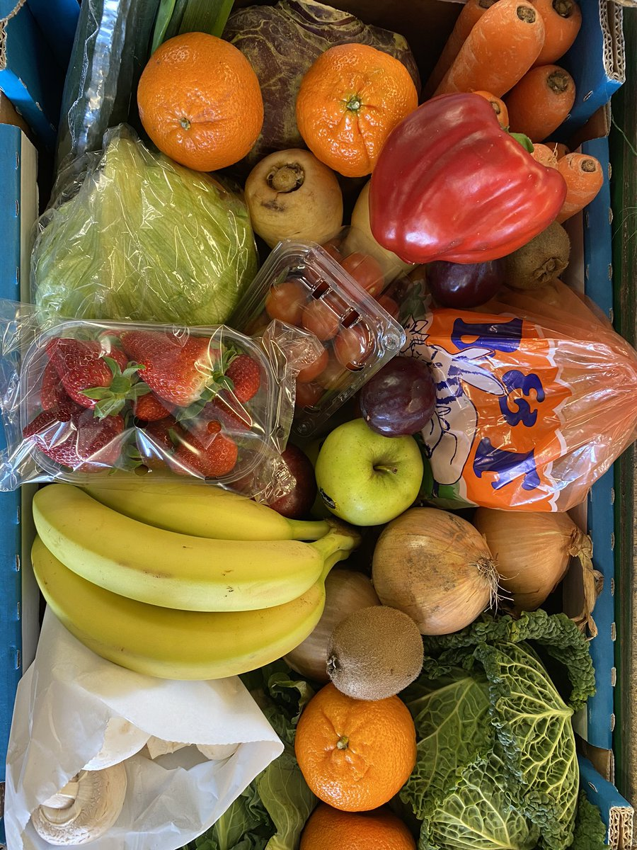 We can deliver a fantastic box of fresh fruit and vegetables for £25 And - no delivery charge ! pic.twitter.com/sQrO8RuYJA