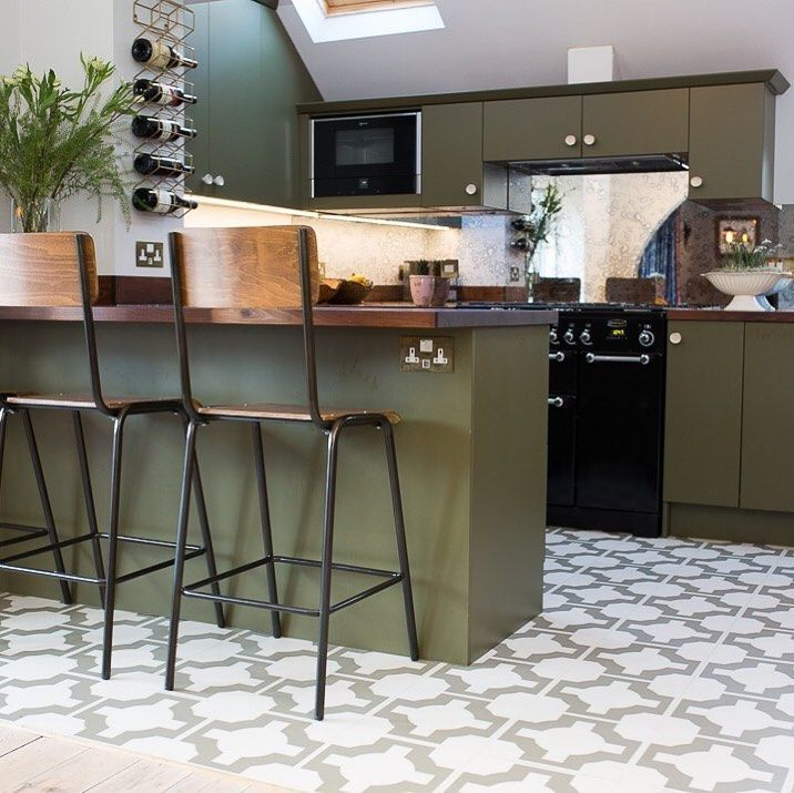 The Battersea vintage school style stool brings an industrial element to Instagrammer @meganforbesinteriors' breakfast bar. the use of natural wood against the olive green creates a feeling of bringing the outside into this interiors.  IG: @_catrionamairiphotography_ pic.twitter.com/LeIS1Jlf8c