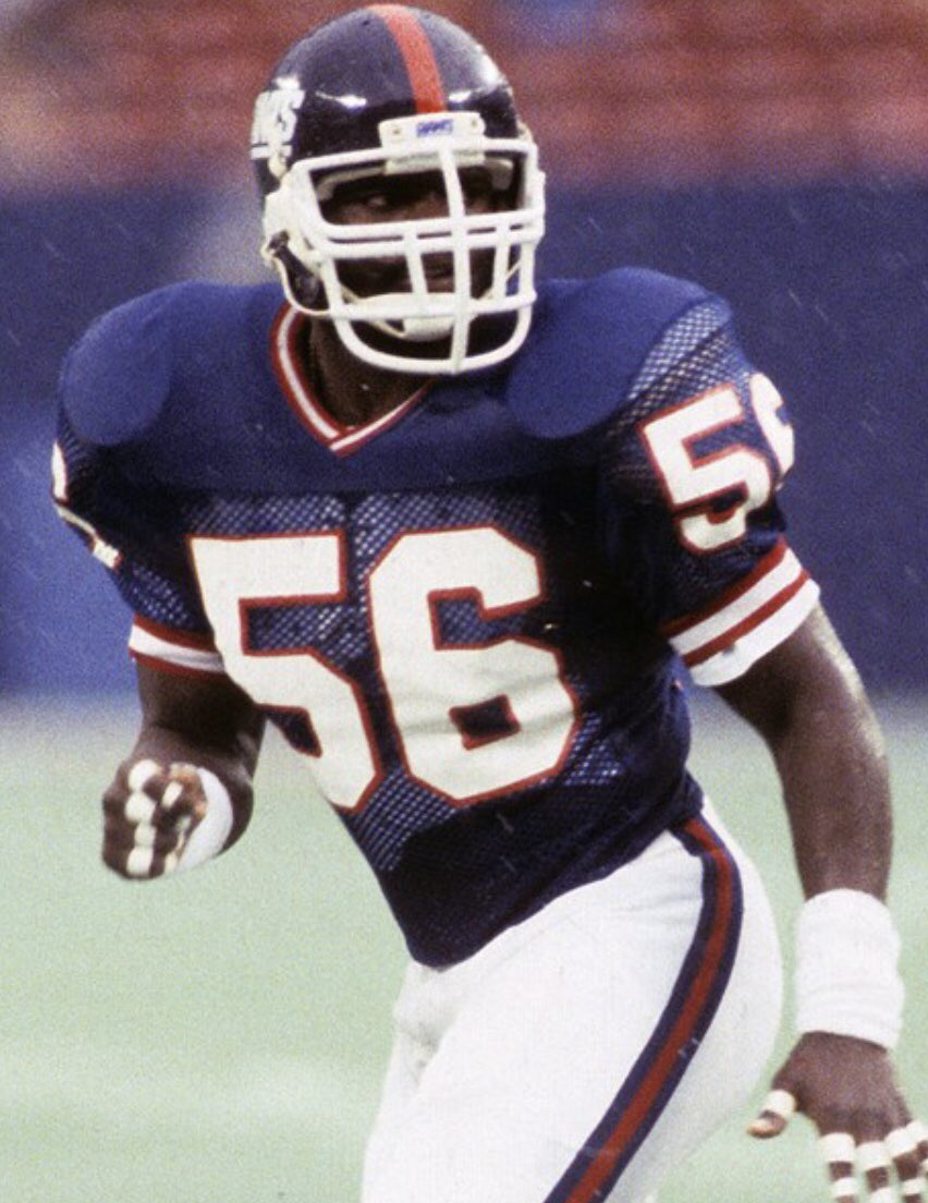 Let's end this debate.... who is the better Linebacker  RT: Lawrence Taylor         Like: Ray Lewis<br>http://pic.twitter.com/kpUkUOxwMn