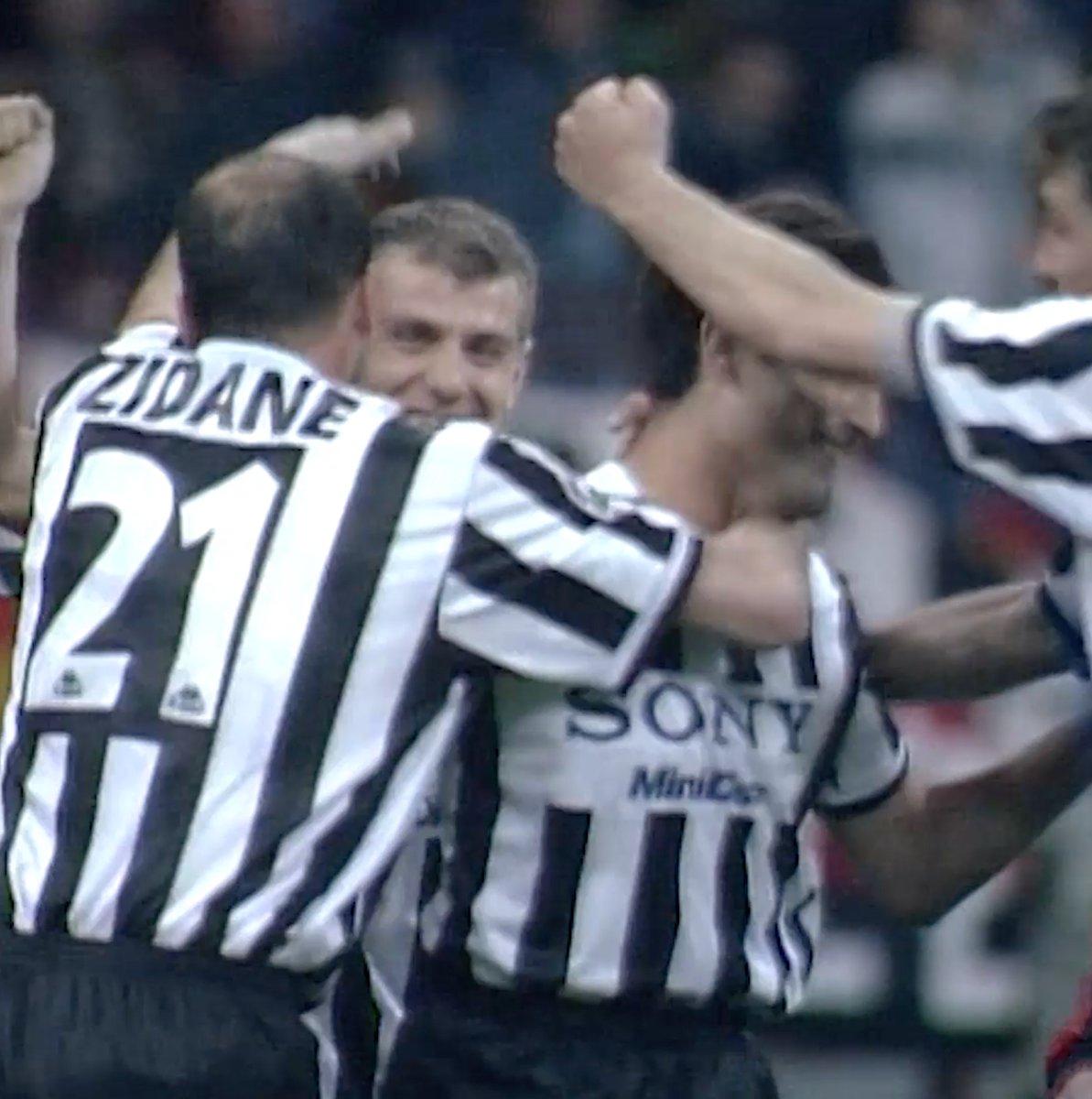 ⚽️ 19' Jugovic ⚽️ 32' Zidane ⚽️ 50' Jugovic ⚽️ 71' Vieri ⚽️ 73' Amoruso ⚽️ 81' Vieri   Para recordar: #NesteDia marcamos SEIS gols no San Siro! 🔥 #MilanJuve #ForzaJuve
