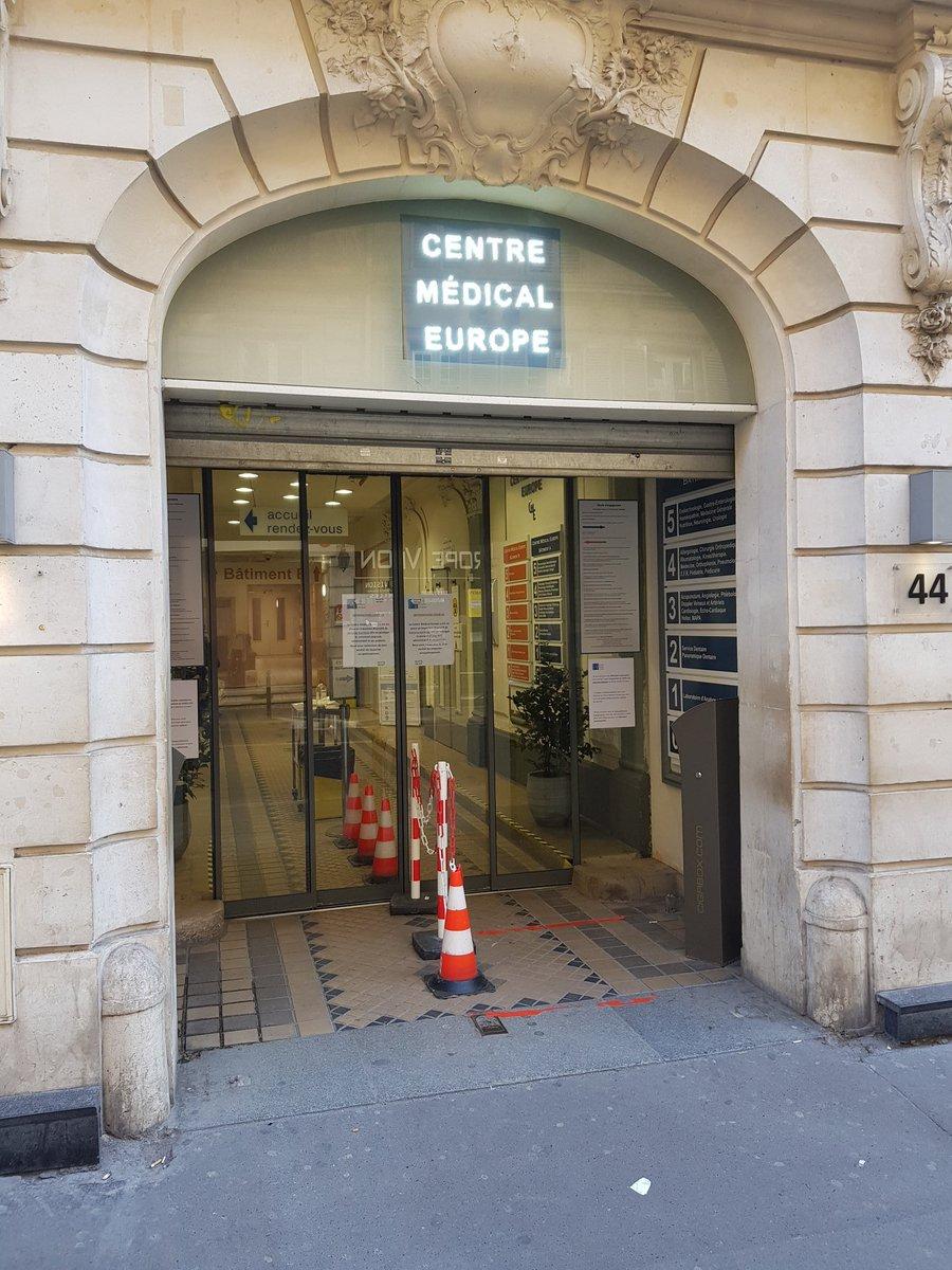 Le centre médical Europe #Paris rue d'Amsterdam est ouvert le dimanche à partir d'aujourd'hui.  Échange sur place avec l'équipe soignante pour constater moins de malades #COVID19 cet après-midi. Si besoin, plusieurs médecins sur place pour les habitants de #Paris8 et #Paris9.pic.twitter.com/AdzqBuWi4v – at Centre Médical Europe