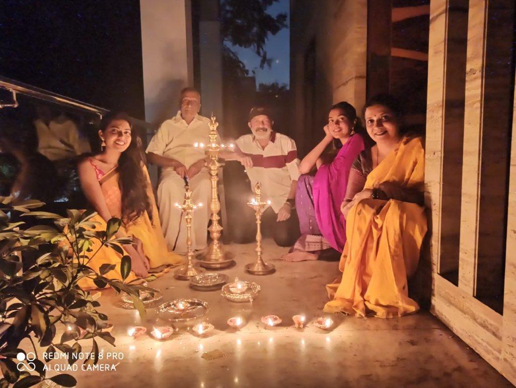 9 Diyas and 9 mins to pray,hope and wish for good health for everyone in the world! @ShivathmikaR @ActorRajasekhar #LightForIndia #stayhomestaysafe #IndiaFightsCorona