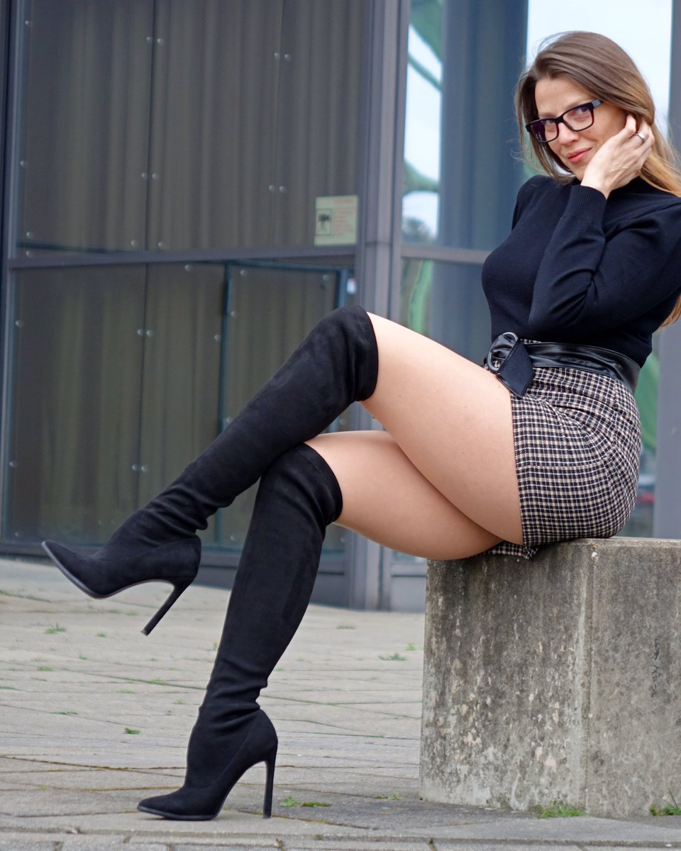 Do you believe me that I very shy?   #femininity #femininstyle #pantyhosefashion #legs #tights #fashiontights #pantyhoselegs #pantyhoselover #nylonlegs #nylonfashion #tightslover #nylonlover #tightsblogger #fashionnylons #fashionlegs #mystylerocks #mylookoftheday #miniskirts pic.twitter.com/NUhXzaIfgB