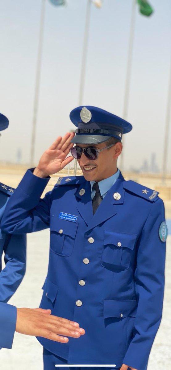 صحيفة هـــام الخشيبان يتخر ج برتبة ملازم من كلية الملك فيصل الجوية