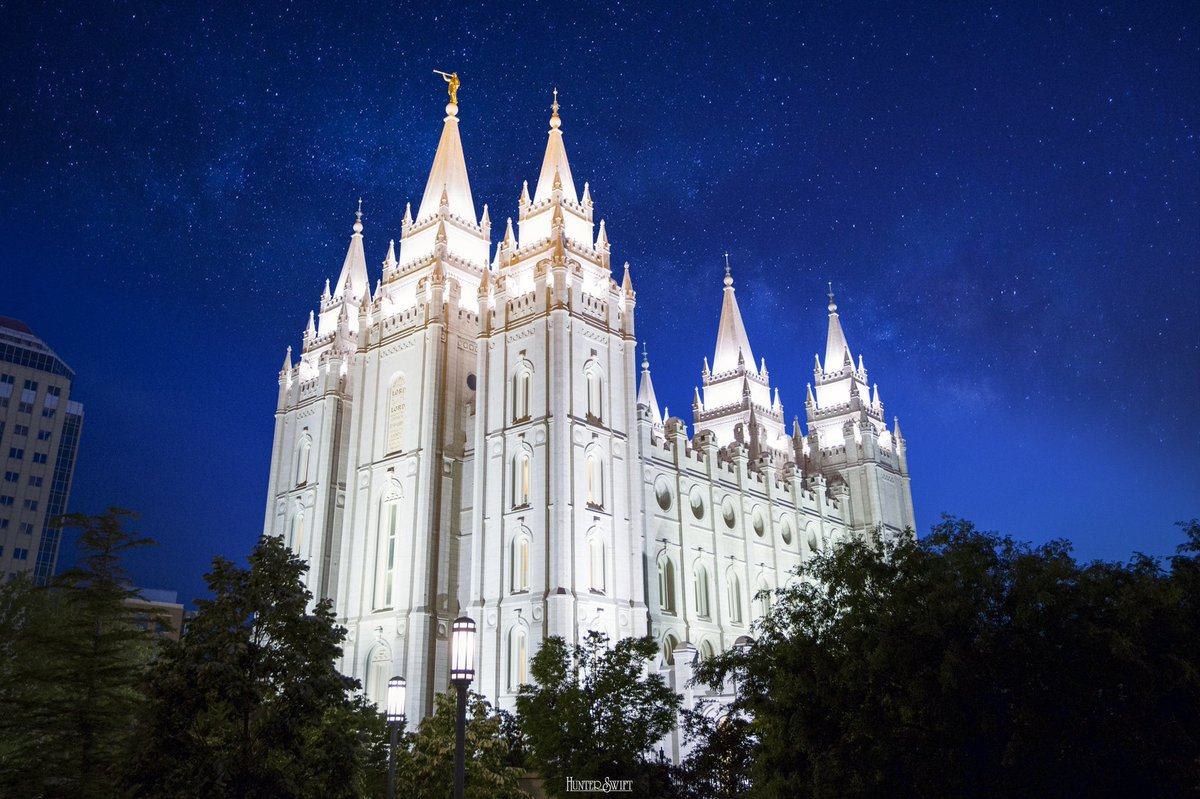 One of my favorite photos I have ever taken. #SaltLakeCityTemple #GeneralConference @Ch_JesusChrist  https://t.co/iVNQrGgcbE https://t.co/13aNxfGSc7