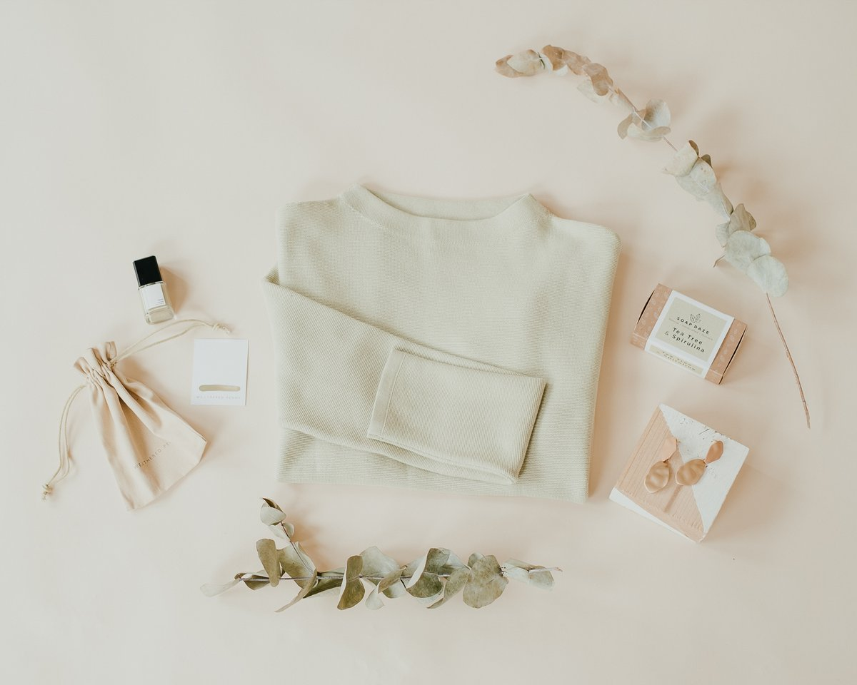 This beautiful flat lay shows off our new favourite pistachio colour in our medinaa jumper that is a new spring favourite of ours!  Shop this and see the rest of our new spring collection! #sustainableclothing #sanchos #springcollection   https://sanchosshop.com/collections/new-in-at-sanchos…pic.twitter.com/2U2h4MGQIA