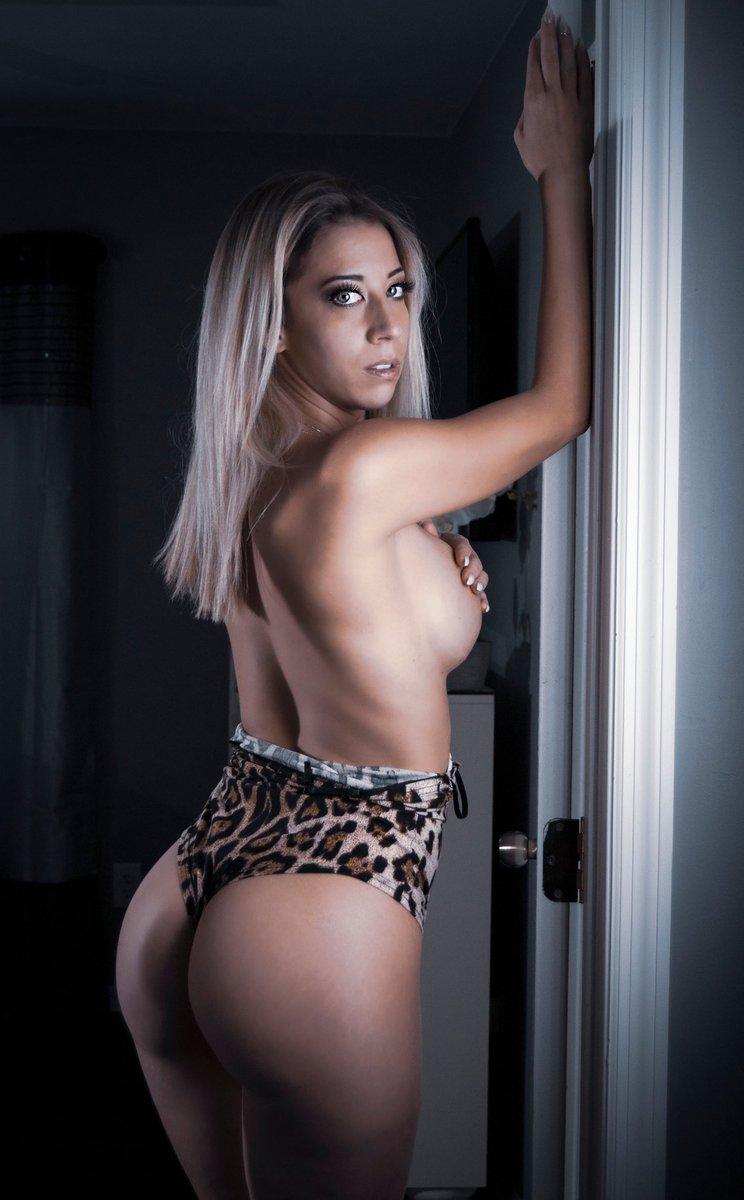 Im that That B**** Carol Baskin!  . . Photo by @danny_gainz811  . . #tigerking #carolbaskin #leopardprint #model #modeling #influencer #picoftheday #picoftheday #quarentineandchill #netflix #joeexoticpic.twitter.com/yjCzuifNtm