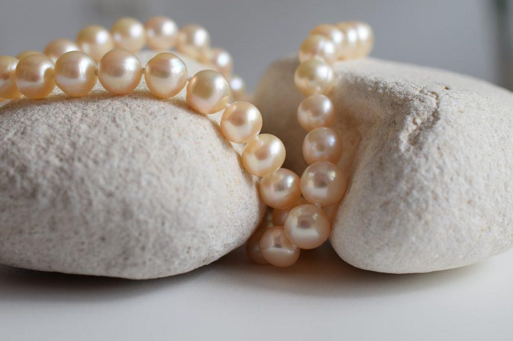 How pretty is that?  #jewelrybox #jewelrystore #jewelryjunkie #jewelrylovers #jewelrysale