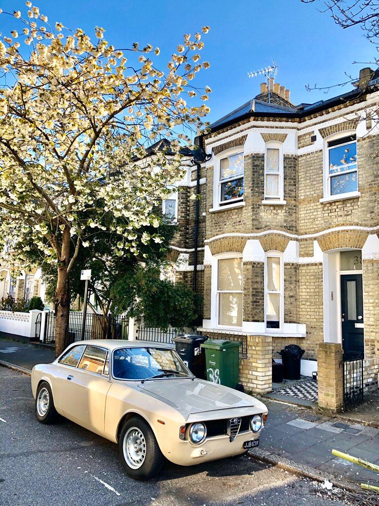Spring in London #london #londonlife #londoncity #thisislondon #londonist #londontown #londoner #ilovelondon #lovelondon #instalondon #londoncalling #londonlife #londonstyle @Secret_LDN @Londonist @LondONtheinside @visitlondon @InstaBritain @TimeOutLondon @ILoveLGBTTravelpic.twitter.com/ZKpMxh6oCD