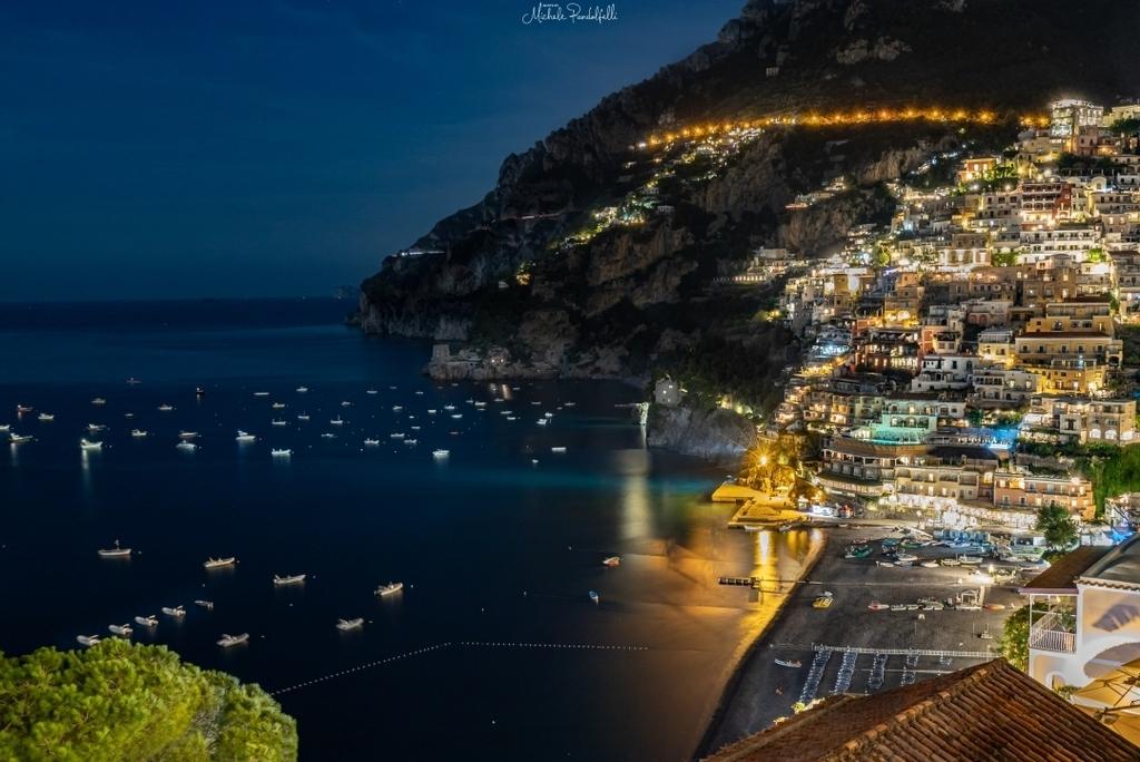 Ancora Positano, dopo il tramonto <3. . . #igersitalia #igerscampania #ig_campania #ig_salerno #igersalerno #picoftheday #campaniadavivere #positano #amalficoast #amalfi #love #people #sea #sunset #sunsetlover #ig_positano #unforgettableinstagrammer #tra… https://instagr.am/p/B-m9O2vBMit/pic.twitter.com/RBNLdqJdNq