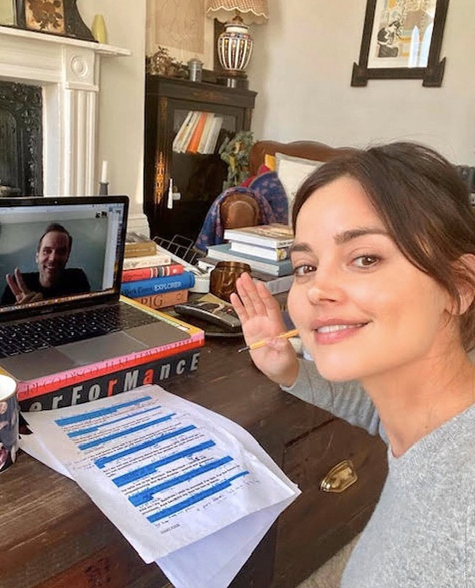 JENNA COLEMAN HAS BECOME OBSESSED WITH THE DUOLINGO APP KSKDKSKDS PLEASE WHAT A QUEEN
