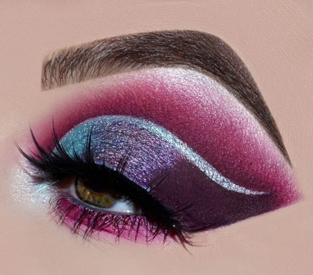 warning  the #39APalette can show some serious PIGMENT.   LAST DAY to grab our best-selling #39APalette for only $19 (originally $35) on http://morphe.com  :@hayleynoellexo #blendtherules #daretocreate #salepic.twitter.com/wYTAefYr3e