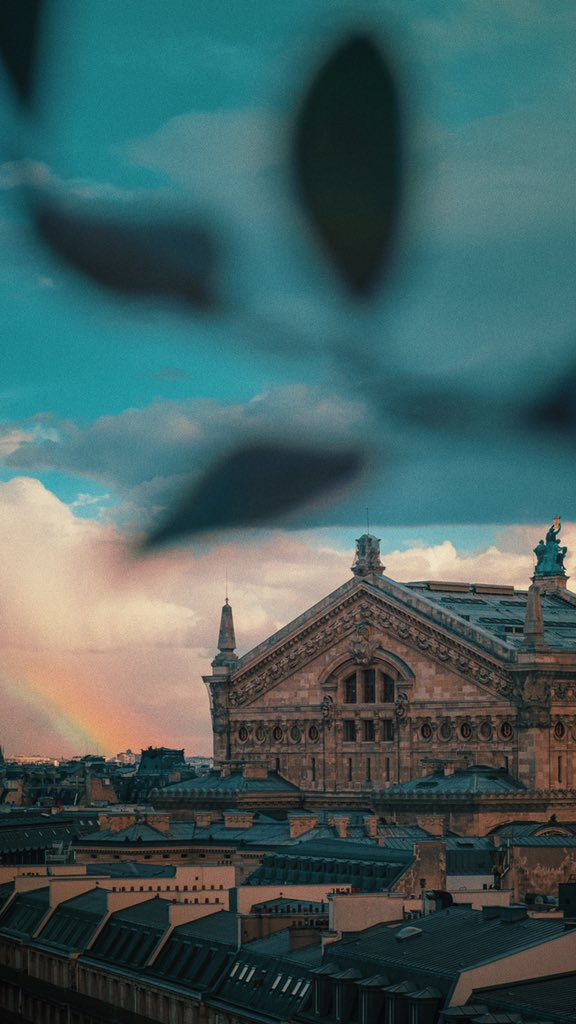 Hoping for the best for France  2019 #Paris #France #StayAtHome   #rainbow #streetphoto #streetphotography #fujifilm #fujifilm_xseries #xseries #XT2 #esFujifilmX #vsco  @studioshukopic.twitter.com/F32sPoW8iV