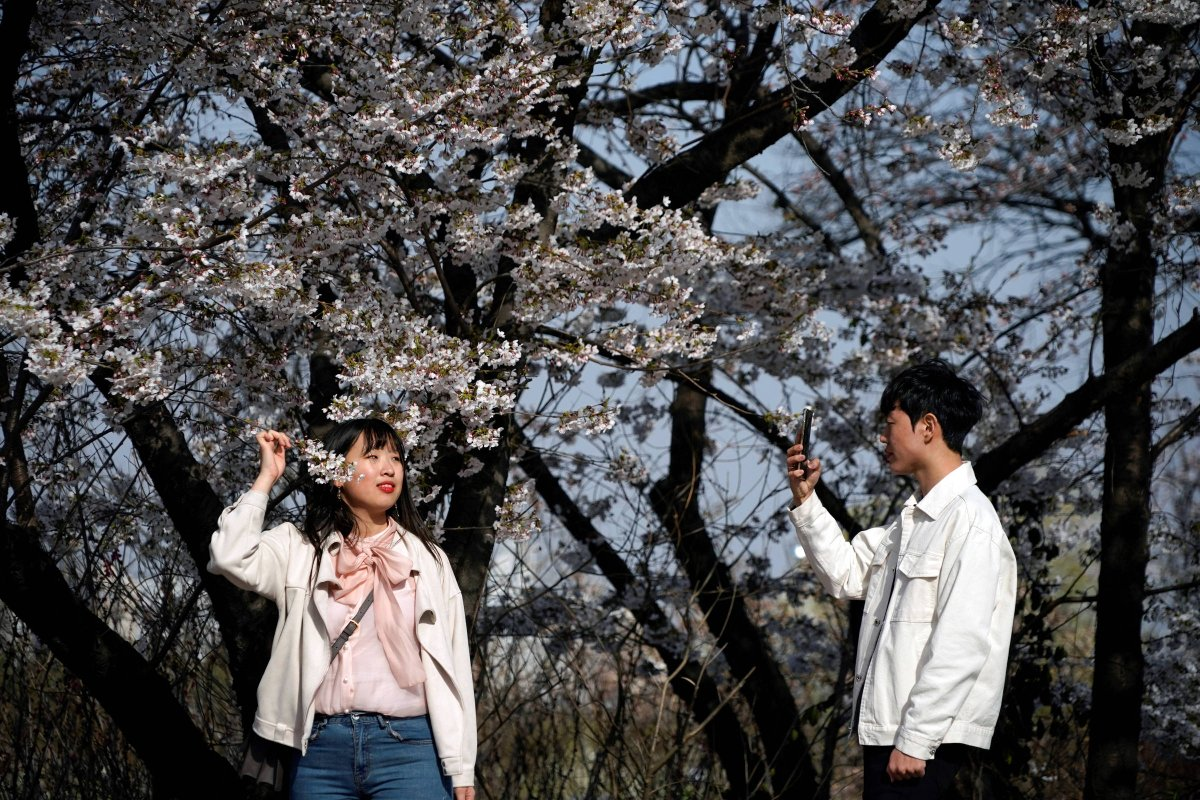 Primavera na Coreia do Sul atiça jovens a burlarem regras de distanciamento http://twib.in/l/K88AnGq6L9y7pic.twitter.com/ubchaixtkg