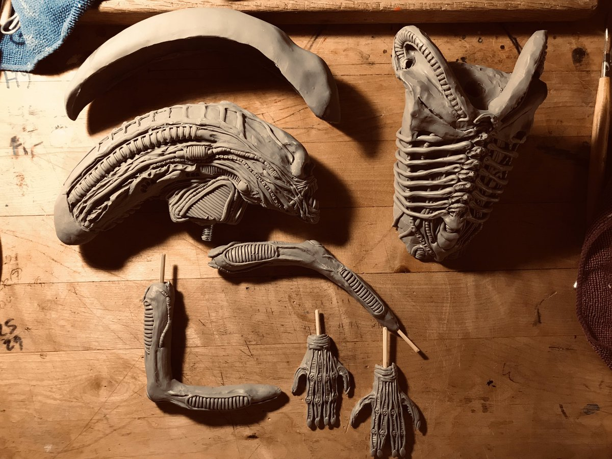 Back to Big Chap. Gonna redo the dome, I need it to be more slick. And without cracks #alien #horrorart #scifihorror #sculpture #diy #alien1979 #hrgiger #carlorambaldi #bolajibadejo #horror #ridleyscott #fanart #scifihorror #danobannon #monster #xenomorph ***BOOKED***pic.twitter.com/iVgH3md9G1