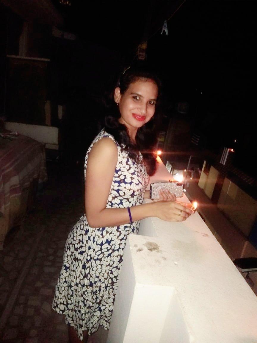 """The 9 min Diwali...#Light of unity...#Spirit & Strength"" 9PM:9Minutes pic.twitter.com/vErFtuXzma"
