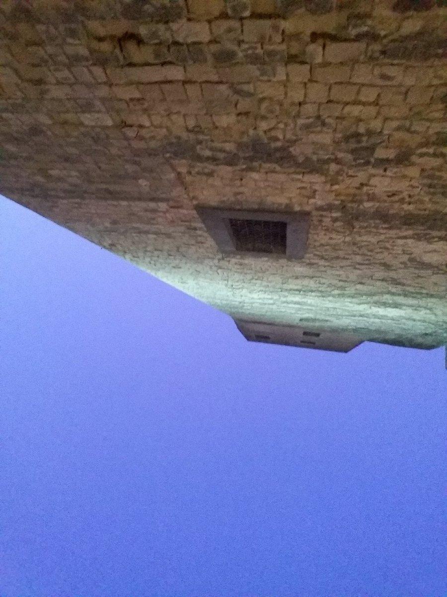 @CasaLettori #NotteConUnaFotopic.twitter.com/apGuc8SPKj