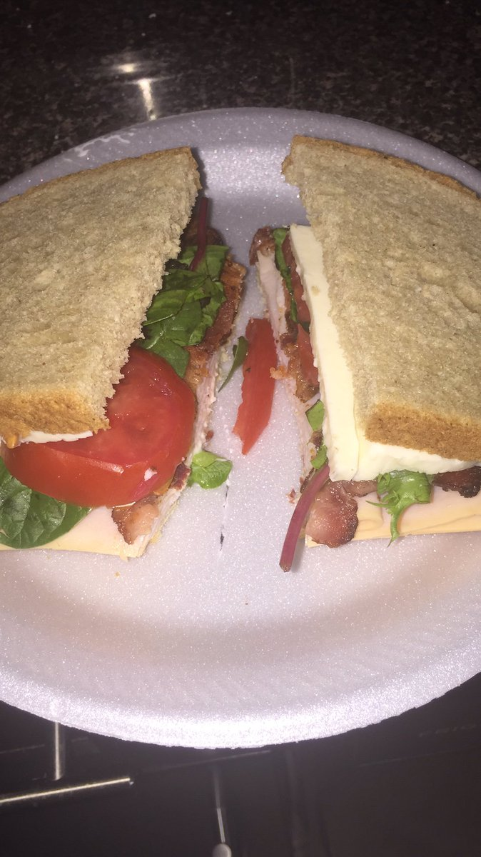 Quarantine has got me so bored to the point that I've been actually cooking real food.  I made BLT's for the first time and I am proud. And yES I know they're not supposed to have cheese but I'm a cheese lover, y'all can fight me on thatpic.twitter.com/zyTlfPpGJF