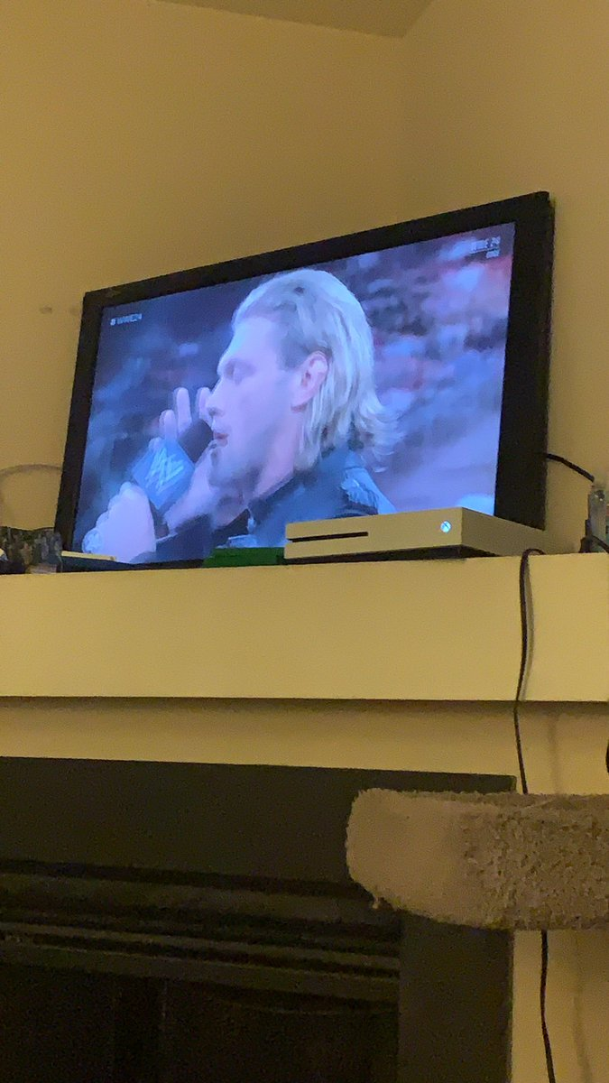 @EdgeRatedR this had me in tear early before Wrestlemania tonight. Am glad you are back. You said no more flying off of ladders what the hell!!!! pic.twitter.com/Xpm8I17C3Q