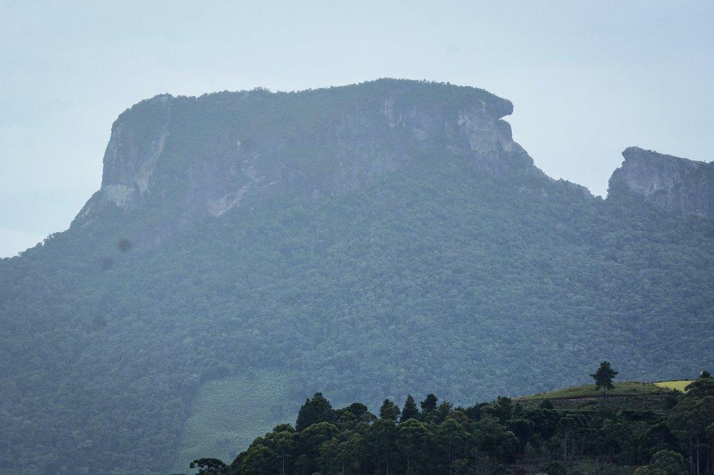 #PedradoBau, #CamposdoJordão, Estado de #SaoPaulo, #Brasil  Foto de Marco Ankosqui/@MTurismo  https://www.flickr.com/photos/mturdestinos/41587168061/in/album-72157694192585904/…pic.twitter.com/E4VrjSxFb6