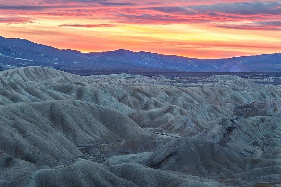Art for the Walls! https://buff.ly/2Zs7obC  #photography #photograph #artistry #decor #decorate #design #amazing #artlover #picoftheday #naturelovers #artlovers #landscapelovers #nature #followers #fineartamerica #artworks #art #deathvalley #badlandspic.twitter.com/960KrvhECZ