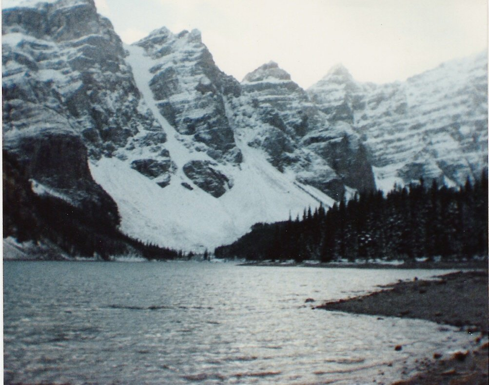 Winter 1988. #CanadianRockies #LakeLouise #TakeCareOfNature #NatureMatters #Earth #Life #COVID19 #StayAtHome or #GetOutdoorspic.twitter.com/on6w2fb59A